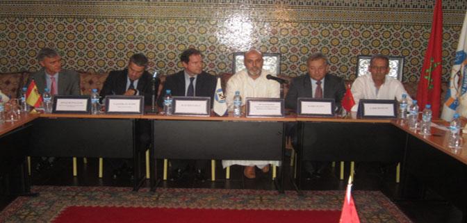 اتفاق تفاهم بين مهنيي الصيد الساحلي المغاربة والاسبان بمضيق جبل طارق على حل النزاع بين الطرفين.