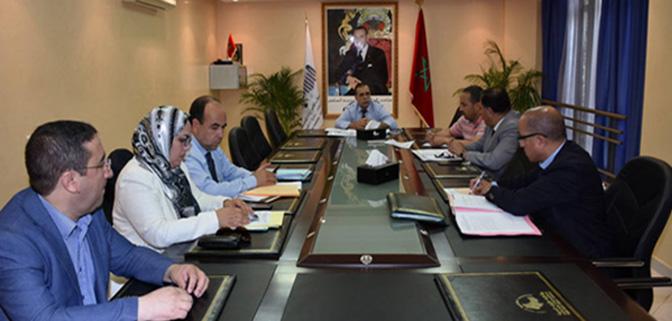 اجتماع اللجنة المحلية لعمالة المضيق الفنيدق لتحديد المراكب (صنف السردين) التي ستستفيد من الدعم المادي بميناء المضيق.